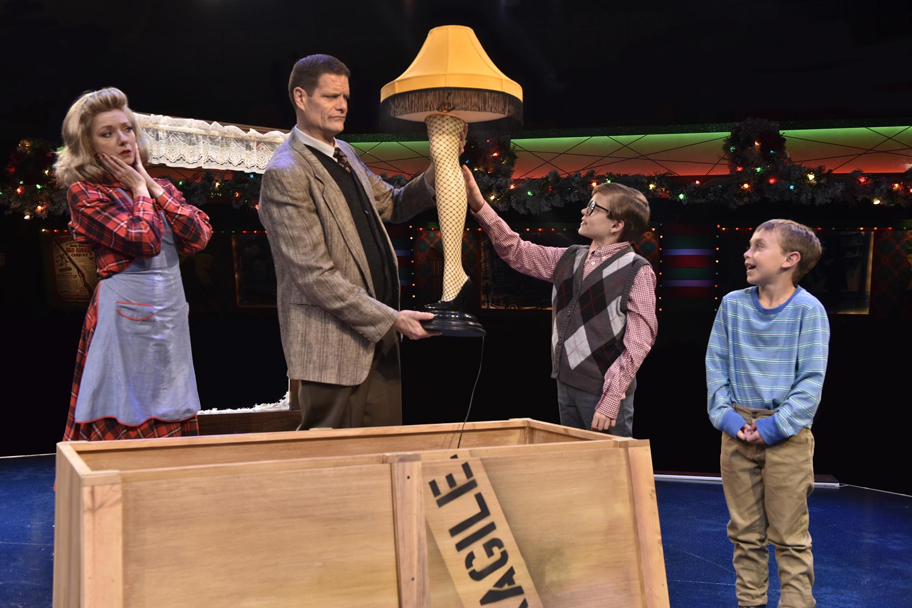 A Christmas Story leg lamp scene